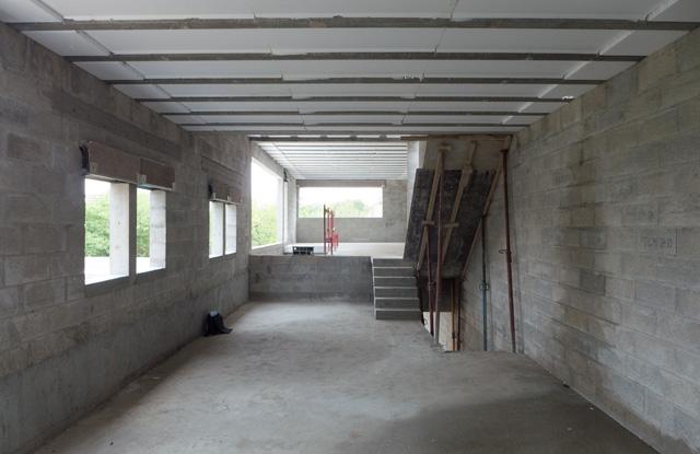 Fin du gros oeuvre pour le chantier de la maison Well-Banlanced à Tigery