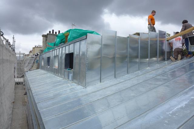 Sof architectes un duplex sur les toits de parissof for Appartement sur les toits paris